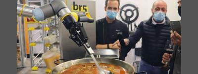 Испания создала первого в мире робота, который готовит паэлью