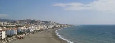 В Андалусии заявили, что любителям пляжного отдыха не нужно носить маски