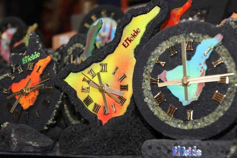 часы из лавы