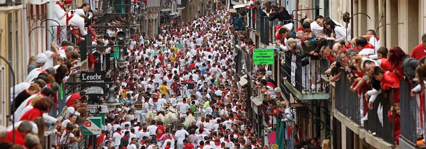 Период фестиваля Сан-Фермин в Испании