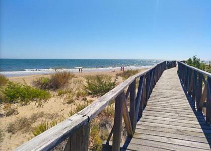 Мостик к Playa de Nueva Umbría