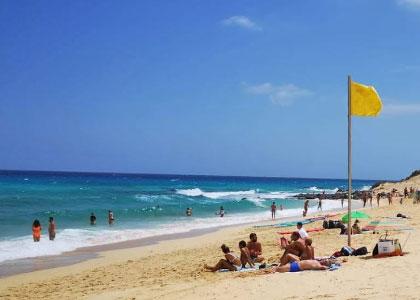 На пляже Del Rosadero