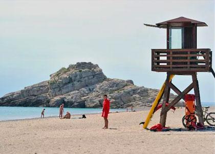 На пляже Platja Del Torn