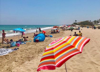 На пляже Playa del Saler