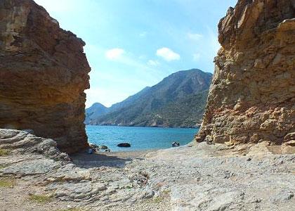 Спуск к пляжу Playa de Portús