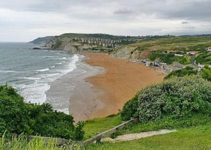 Вид на пляж Barinatxe