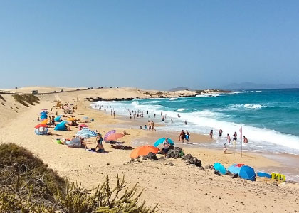Вид на пляж Del Rosadero