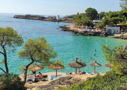 Вид на пляж Platja d'Illetes