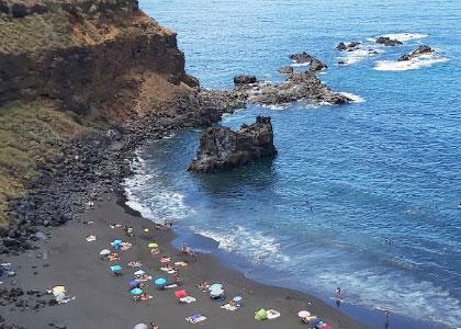Вид сверху на пляж De los Patos