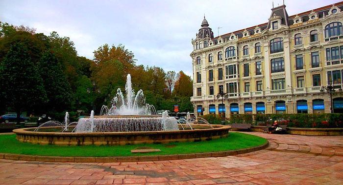 Ла-Эскандалера площадь