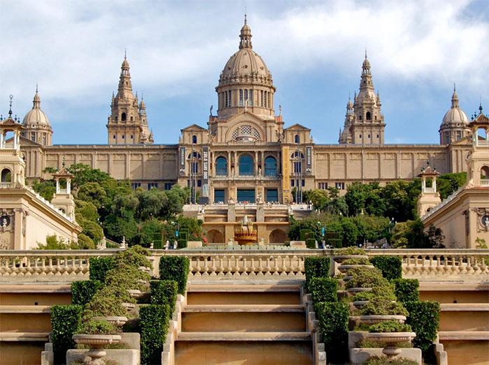 Дворец в Испании