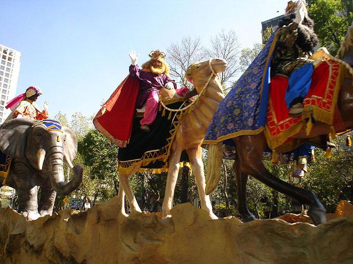 Маги на верблюдах