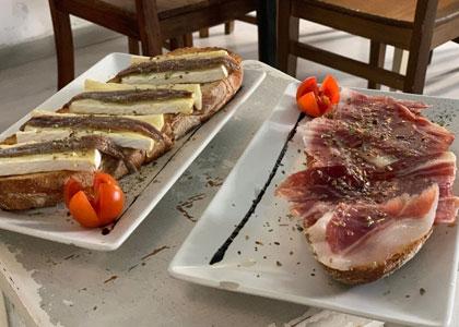 Сэндвичи в Tinto y Tapas