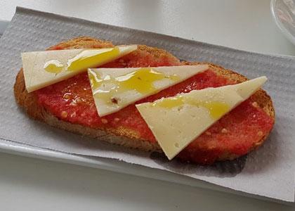 бутерброд в кафе Comic