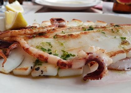 кальмар в ресторане Lonja del Pescado