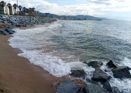 нудистский пляж Platja de la Mora – Badalona