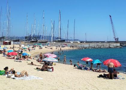 пляж для нудистов Platja de la Mora – Badalona