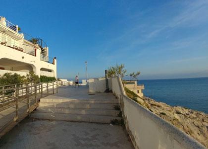 пляж нудистов Els Balmins