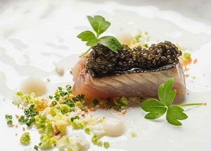 рыбное блюдо в ресторане Santceloni