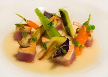 салат в Sergi Arola Gastro