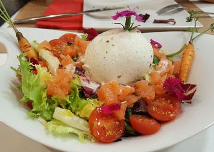 салат в ресторане La Majada
