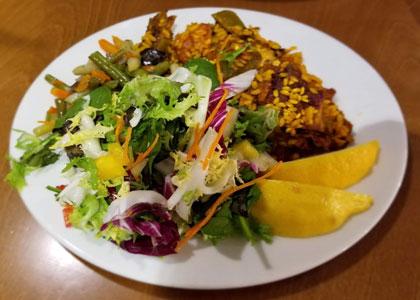 салат в ресторане Neco