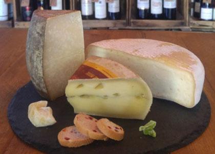 сыр в The One Wine