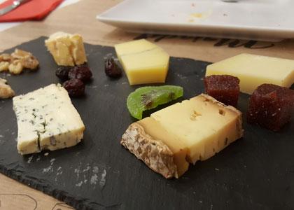 сырная тарелка в ресторане La Majada