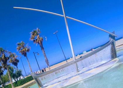 Фонтан на пляже Malvarrosa