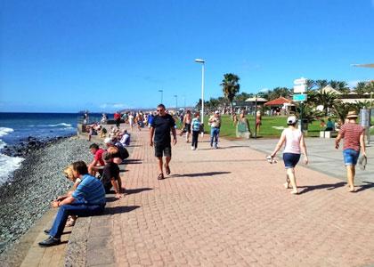 На набережной пляжа Мелонерас