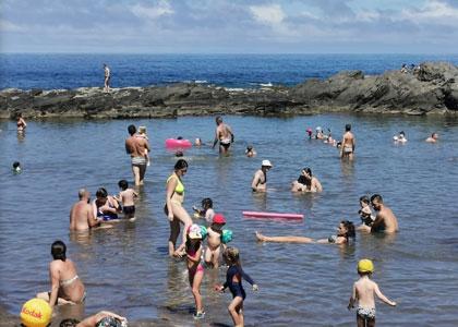 Отдыхающие на пляже Пуэртилло