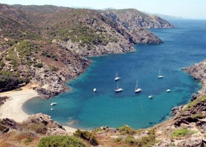 Пляж Cala Tavallera с высоты