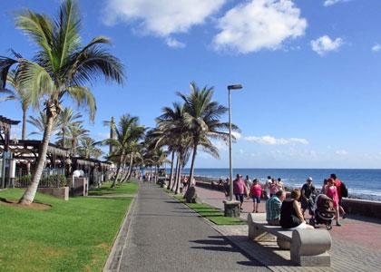 Променад на пляже Мелонерас