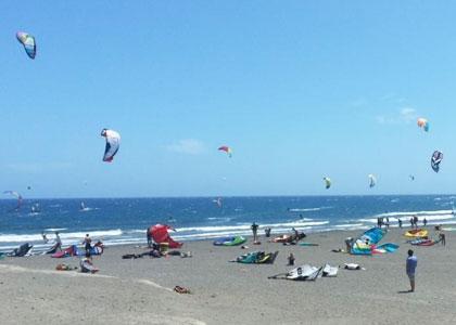 Развлечения на пляже Montaña Roja