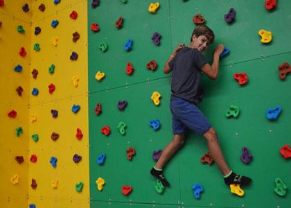 Скалодром в Fun Jump