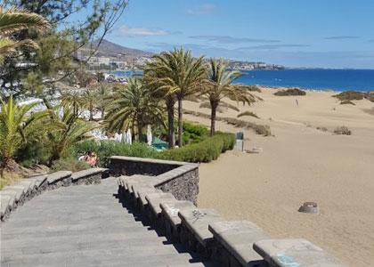 Спуск к пляжу Плайя-дель-Инглес