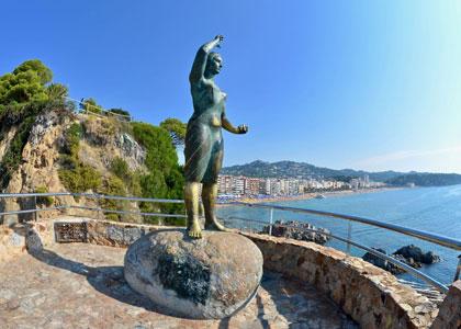 памятник Доне Маринере