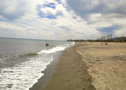 песок и волны