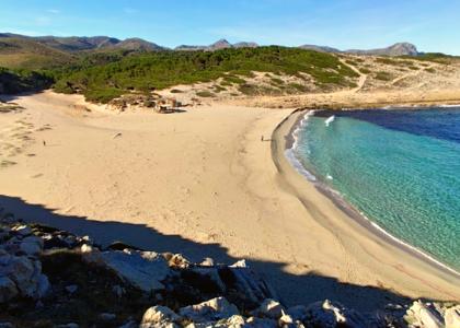 Вид на пляж Кала-Торта