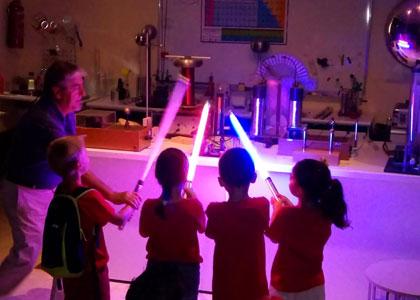Дети в Centro de Ciencia Principia