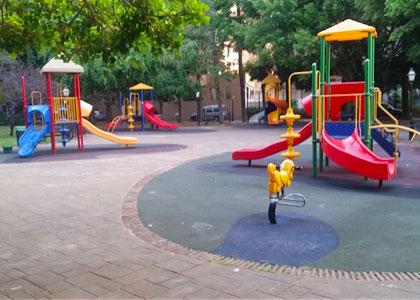 Детская площадка в парке Конституции