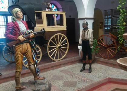 Экспонаты в Museo Lara