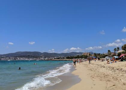 Море на пляже Кан-Пере-Антони