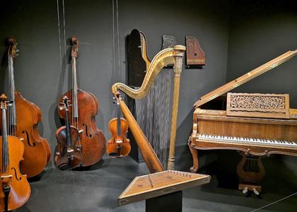 Музыкальные инструменты в интерактивном музее музыки