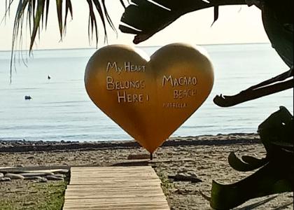 Сердце на пляже Гуадальмина