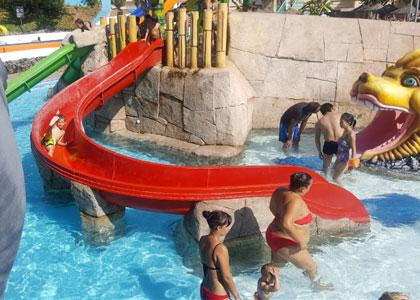 Водяная горка в аквапарке Aquamijas