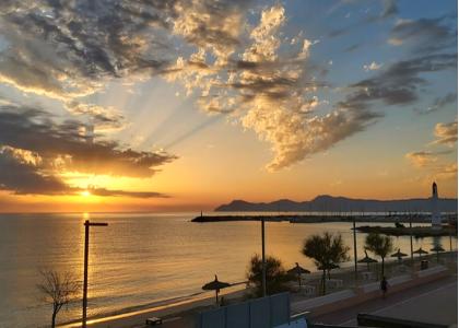 Закат на пляже Кан-Пикафорт