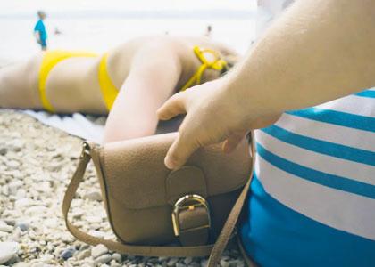 Кража на пляже