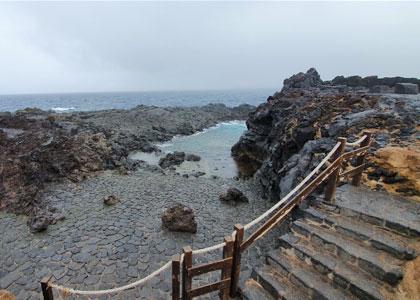 Спуск к пляжу Чарко-Дон-Габино