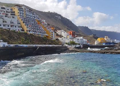 В бассейне El Pris, тенерифе отели